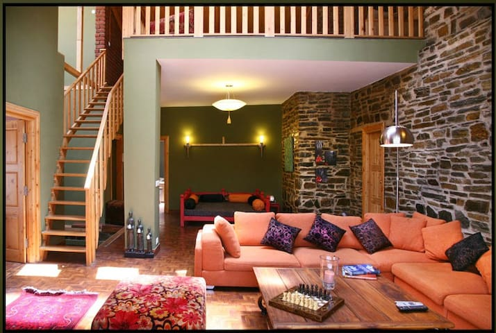 Ekam Luxury Mountain Villa Room1@chail-All Meals