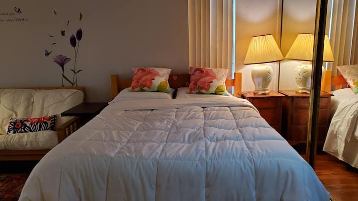 Alhambra Private Room (B). 405 S Marguerite Avenue