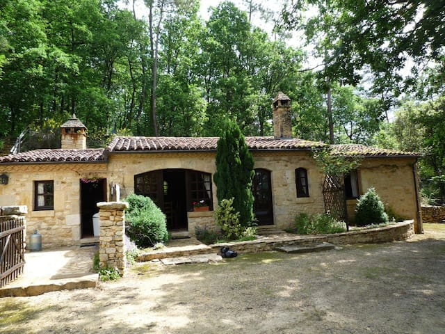 Clematites beautiful stone house with heated pool