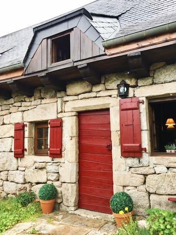 Maison Typique aux Monedieres