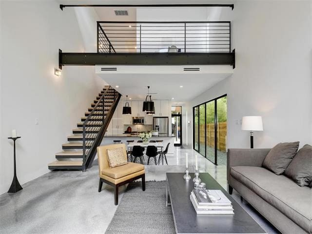Ultra modern 3/3 close to downtown