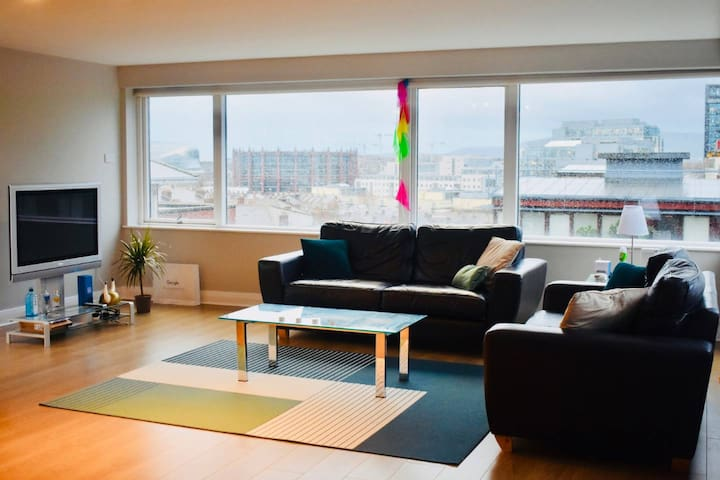 Cozy Room in Grand Canal Dock - Stunning view