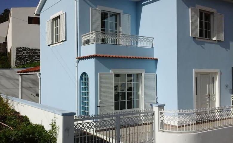 Urzelina Guest House - Velas - Haus