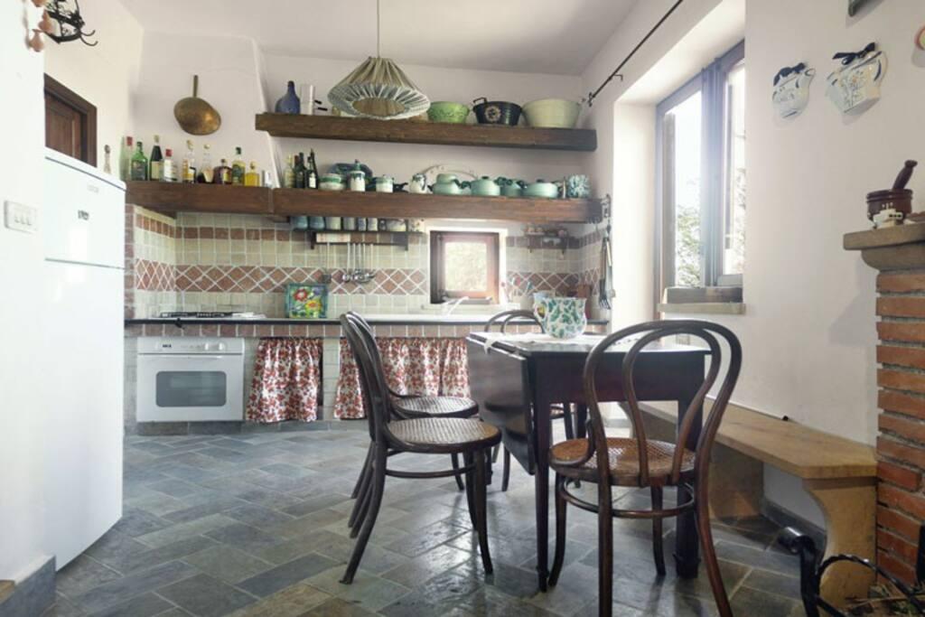 La zona cucina e pranzo