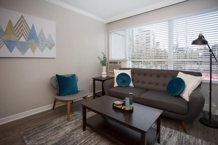 One Bedroom - Downtown Vancouver - The Bradford