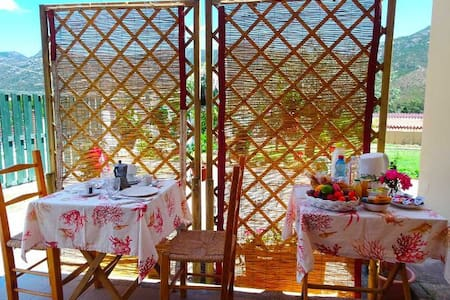 Ferula, double in Eranu with private breakfast