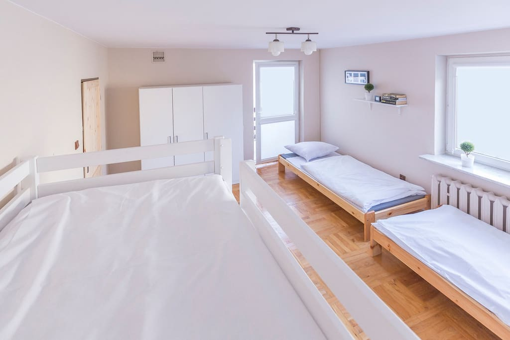 Pokój Nr 13, 3-4 osobowy z balkonem, 2 piętro.