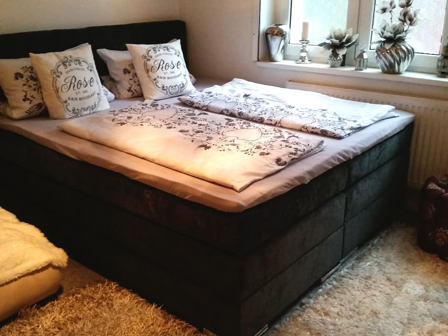 Wellcome to my comfortable luxury Boxspring Bed  perfectly for 2 Persons