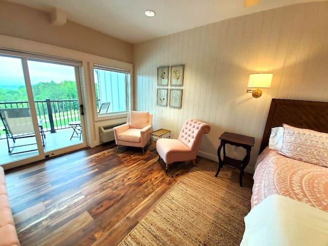 Bedroom 7 - The Big Creek Lodge
