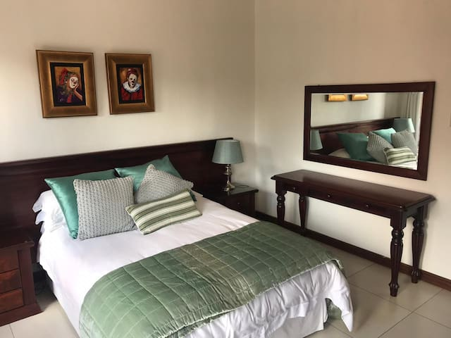 Spacious Apartment near Midstream Mediclinic