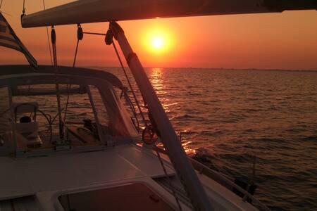 Sailing in Greece on private yacht - Palaio Faliro - Barca