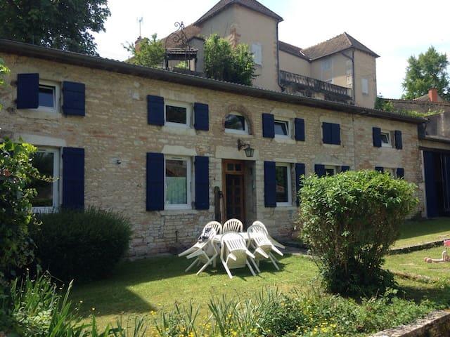 La GRANDE MAISON de Dracy Burgundy - Dracy-le-Fort - Hus