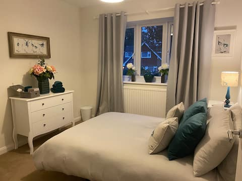 Comfortable double bedroom in private house.