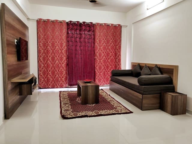 Luxurious Brand New Cozy Fully Furnished 1BHK