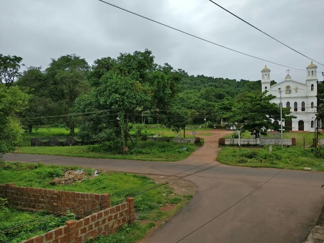 Comfy RM with shared kitchen near Candolim