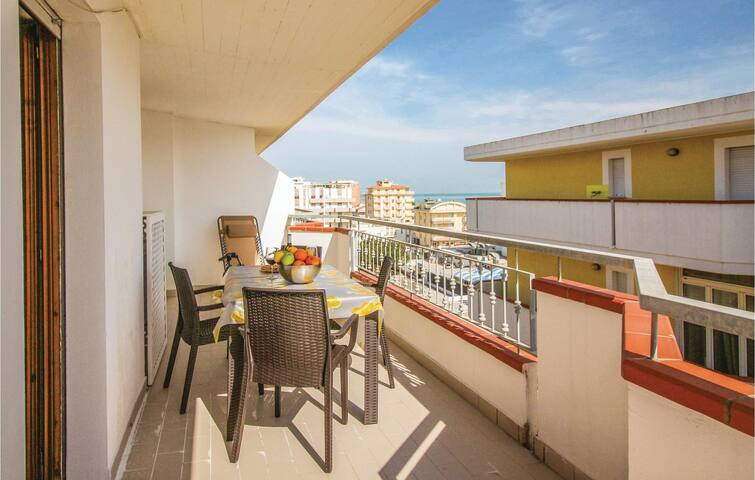 Holiday apartment with 1 bedroom on 45m² in Alba Adriatica (TE)