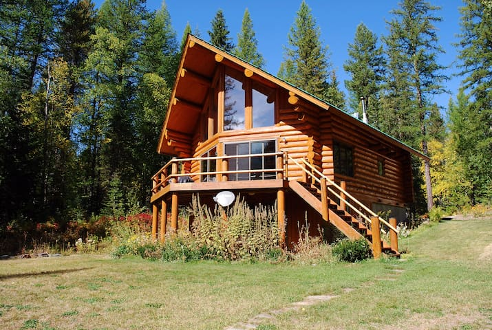 Astrid - the quintessential Montana log cabin