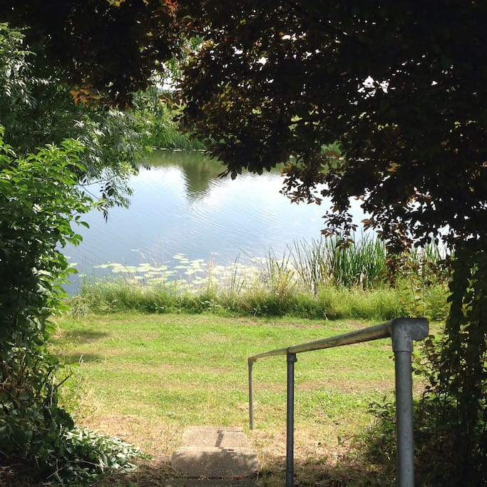 The caravan is situated by the River Ouse. Plenty of space to relax or walk.