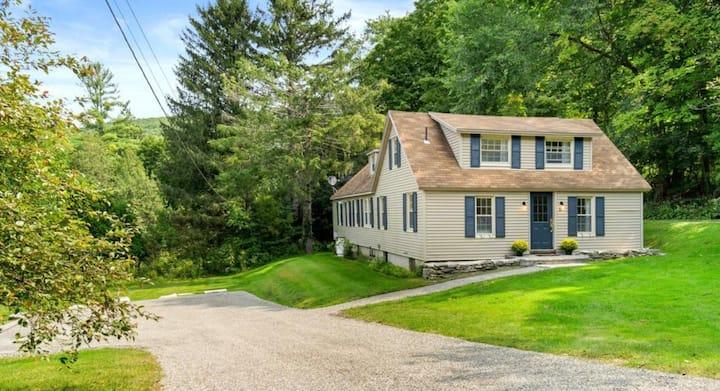 Historic 1810 Farmhouse - Fully Renovated