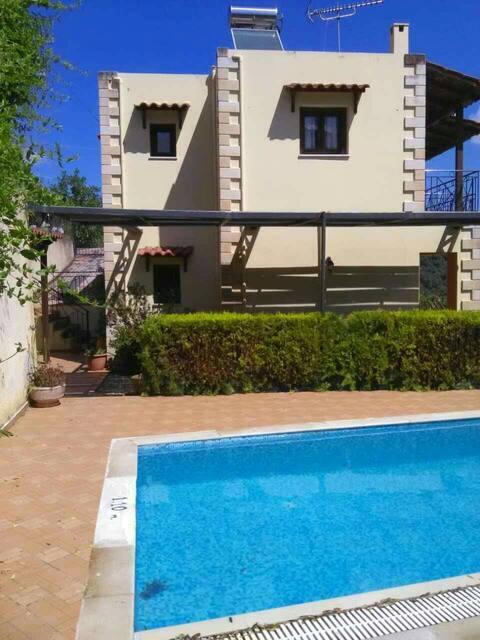 Villa Eleni Meskla