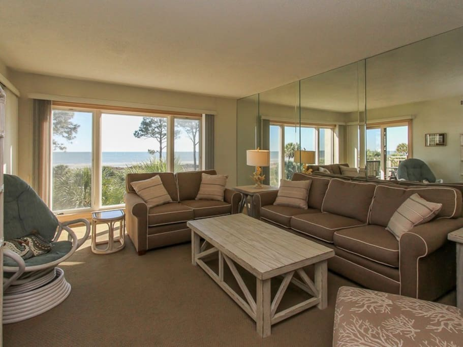 This villa offers spectacular ocean view from the main living area - 311 Shorewood