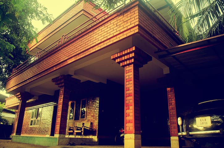 Vaishnavi - Irinjalakuda North - House
