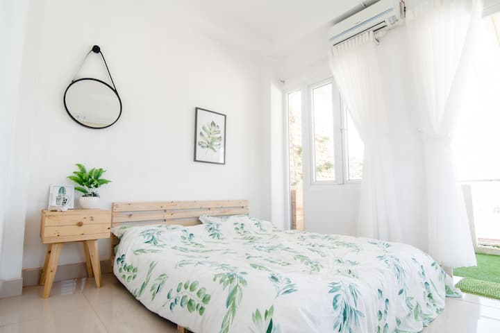 Tropical Room - 3 Min To Han River - Large Balcony