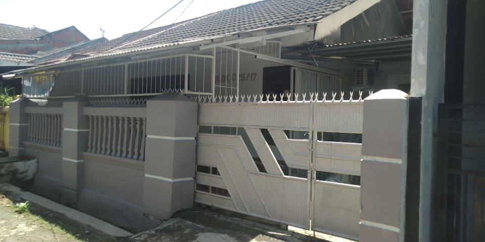 Pleasant house in Pamulang, Banten