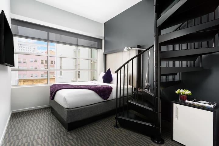 Diva | Heart of Union Square | Loft Room 1 Double