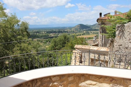 Castle-Charming apartment - Roccasecca