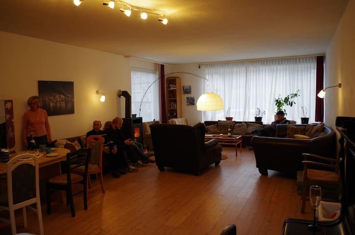Gruppenhaus mitten in Deutschland! - Wehretal - Casa