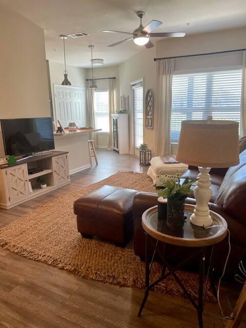 Adorable Farmhouse Apartment - Richwood