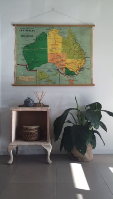 Can you point out the Peninsula? Vintage finds, and hand woven basket all found on my travels