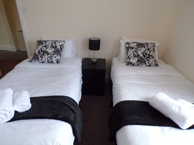 Twin/Double Room with Shared Bathroom
