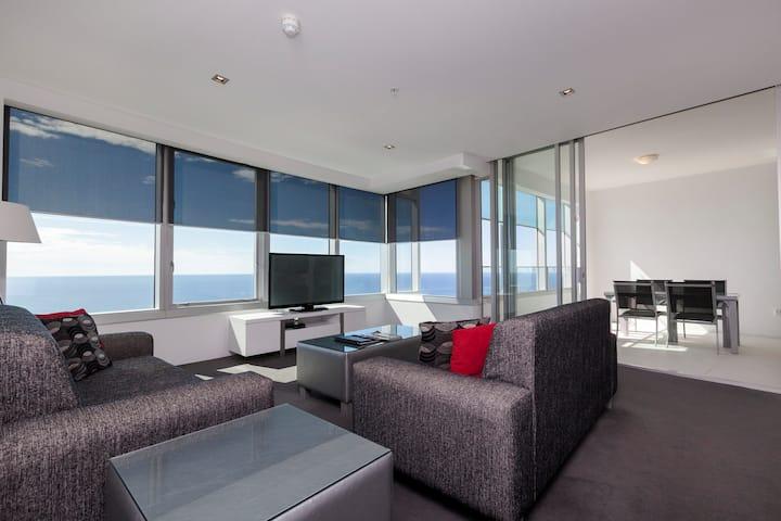 Q1 Resort - Two Bedroom Ocean Spa Apartment