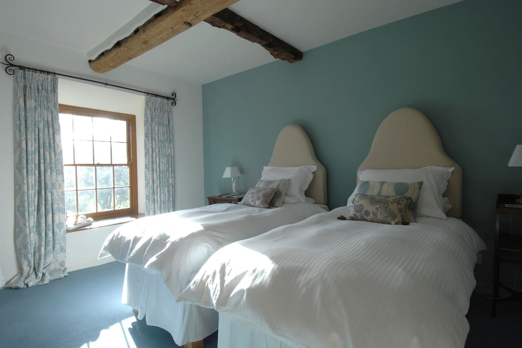 The Notts - Twin bedded room