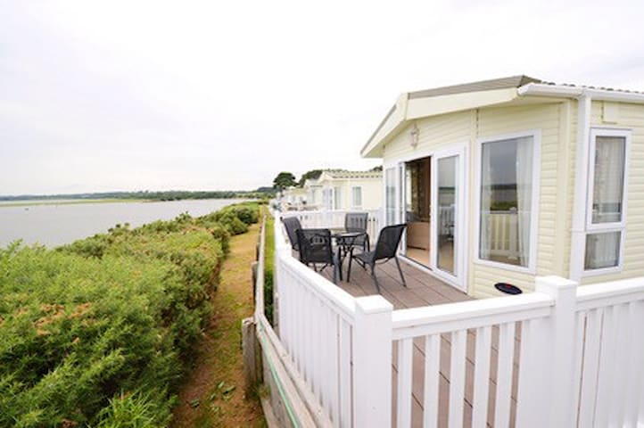 Contemporary holiday home Poole