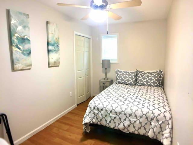 Second bedroom. Full bed