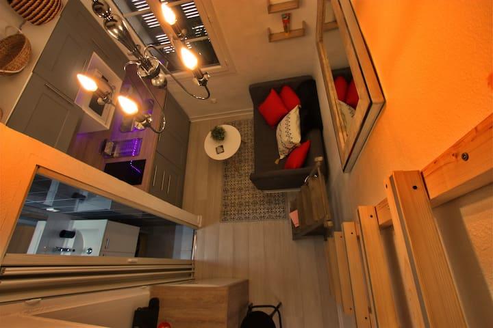 Super Studio neuf centre historique Aix cardeurs