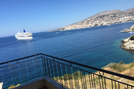 Sea & Sun Apartment - Sarandë - Apartment