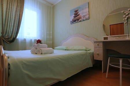 Тюменский тракт 2, 2-х ком. Уютная квартира Luxe - Surgut - Apartemen