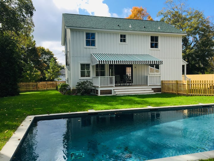 Farmhouse with beach rights and salt-water pool