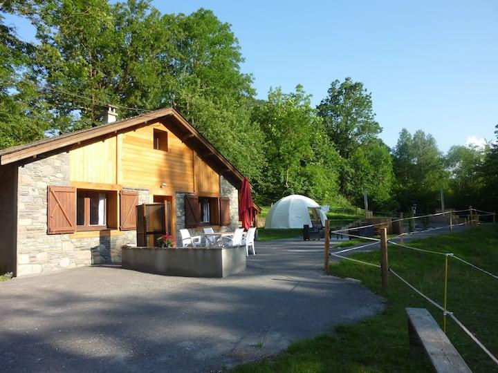"""Le """"nordique""""  : chalet, bain norvégien et sauna"""