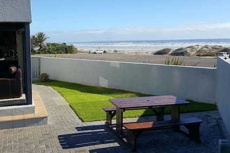 Beach Apartment Melkbosstrand (Holiday & Monthly) - Cape Town - Byt