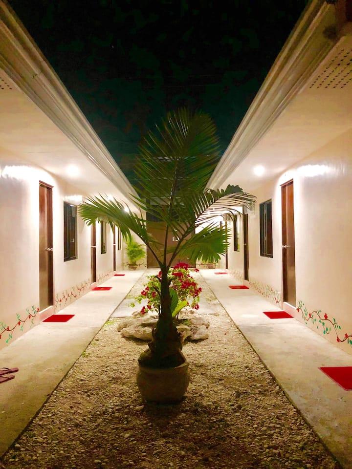 Amit Hostel (Room 2-1)