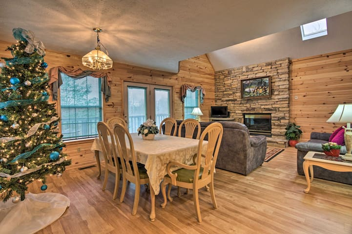 NEW! Perfectly Located Family Home in Pigeon Forge