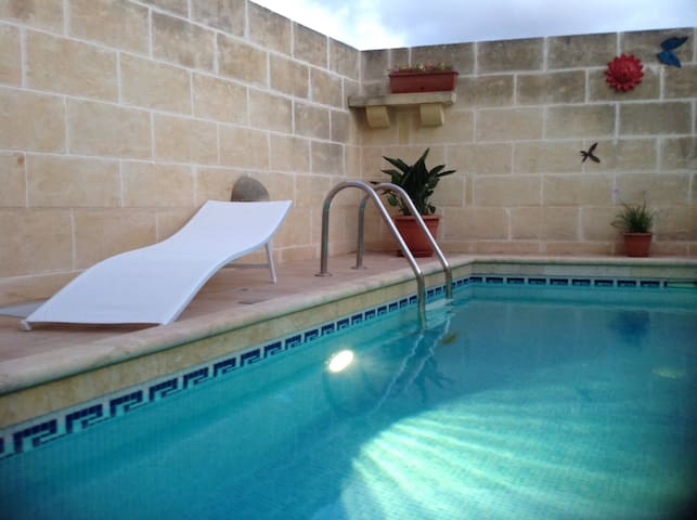 St. Agnes B&B, Xaghra King Room - Xagħra - Bed & Breakfast
