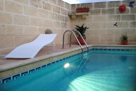St. Agnes B&B, Xaghra King Room - Xagħra - Penzion (B&B)