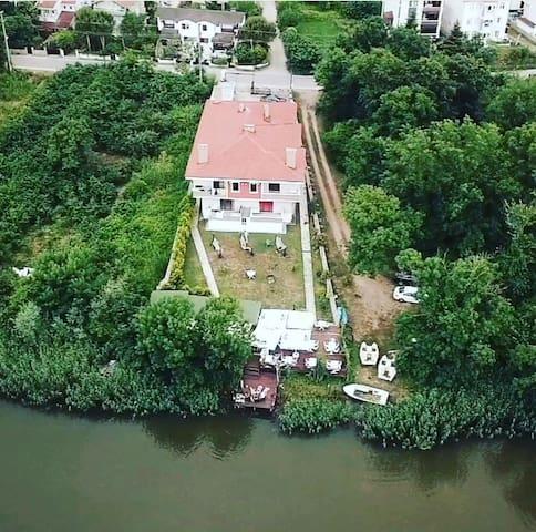 Nehir manzaralı ağvadaki eviniz
