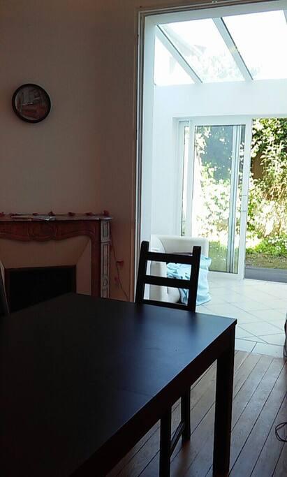 belle maison au coeur de bordeaux maisons louer. Black Bedroom Furniture Sets. Home Design Ideas